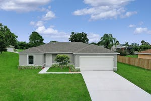 10 Poinsettia Ln Palm Coast, FL 32137